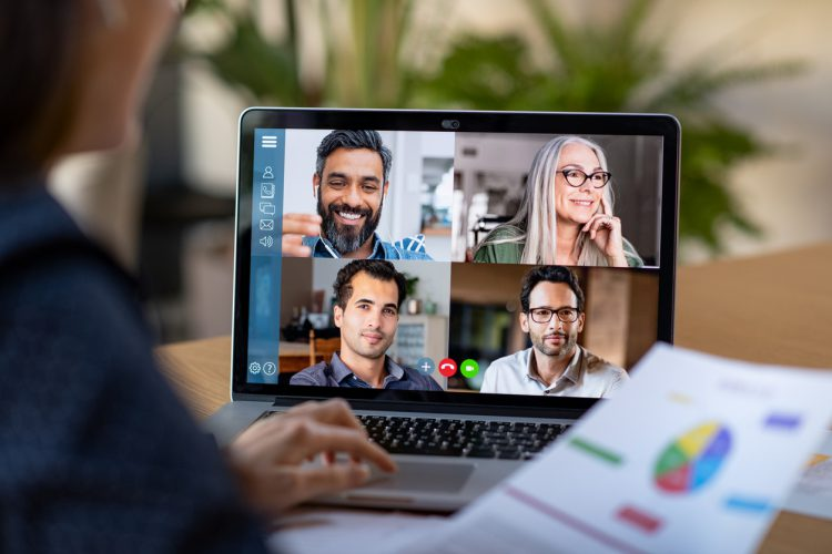 5 (Simple) Strategies to Manage Remote Teams Effectively